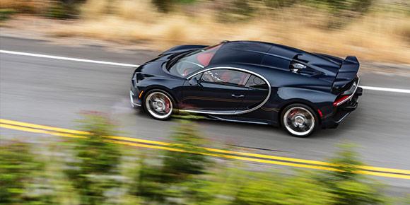 Вернемся к Bugatti. Помимо официальных 420 км/ч производитель обещал более высокий реальный результат, который до сих пор никто не подтвердил. О какой цифре шла речь?