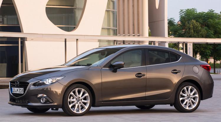 Mazda3 последнего поколения отлично управляется, убедительно выглядит и удивляет очень взрослым интерьером. Сейчас «тройки» продаются минимум за 1 169 000 руб., хотя два года назад точно такую же можно было купить за…