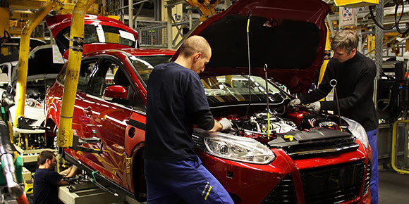 У нас уже было два вопроса, где упоминалась Калуга. А в каком российском городе больше всего предприятий, выпускающих легковые автомобили иностранных брендов?