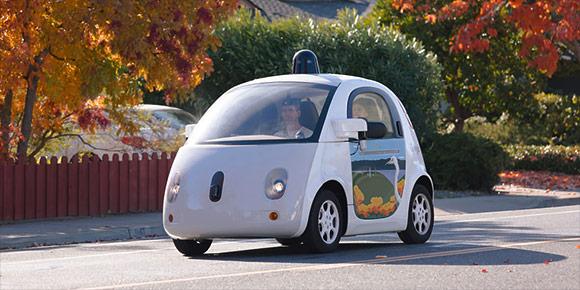 Недавно компания Waymo (проект Google) объявила о завершении испытаний маленьких полностью автономных машинок, характерной особенностью которых было отсутствие руля и педалей. А еще у них было необычное название – в честь насекомого. Может, вспомните какого?