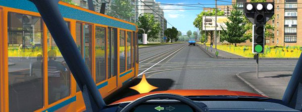 Здесь есть и трамвай, и непонятные светофоры, а вам требуется налево. Что нужно делать?