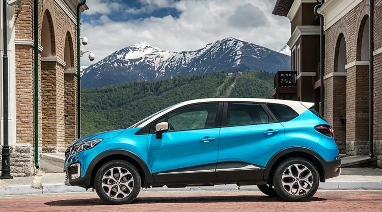 Renault Kaptur отличается от европейского Captur не только первой буквой – у него своя платформа и более крупные размеры. На фото без труда можно узнать:
