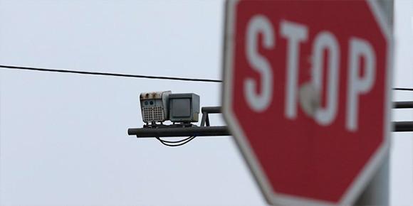 В России на данный момент действует нештрафуемый порог превышения скорости в 20 км/ч, однако уже в скором времени он будет снижен. А знаете ли вы, с какой точностью работают современные комплексы видеофиксации?