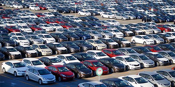 За семь лет на заводе в Санкт-Петербурге Hyundai и Kia выпустили очень много автомобилей. Если все машины поставить в цепочку, то колонна растянется от Питера до Байкала (около 6 тыс. км). Догадаетесь, сколько это автомобилей?