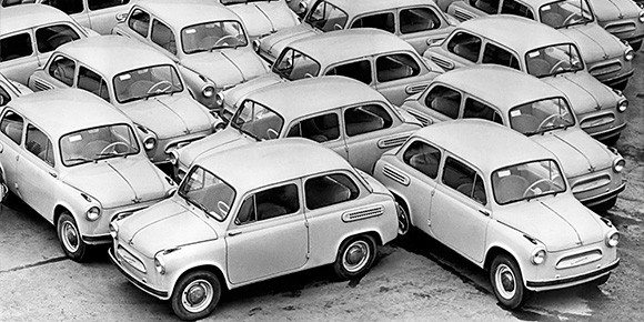 «Запорожец» получился действительно доступным, по-настоящему народным автомобилем: кажется, не было в СССР двора, в котором не жил бы хоть один «Горбатый». Но сколько всего было выпущено таких машин?