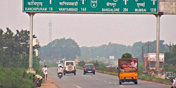 А вот власти Индии очень подозрительно относятся к развитию беспилотного транспорта и даже собираются принять закон, запрещающий автономные машины в стране. По их мнению…