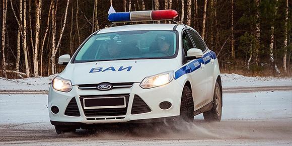 За соблюдение правил следят камеры и сотрудники ГИБДД. А могут ли инспекторы Военной автоинспекции (ВАИ) штрафовать гражданских водителей?