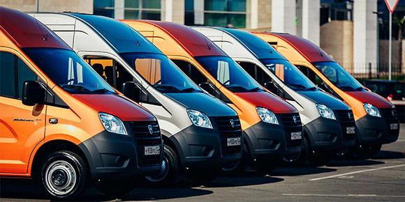 Кажется, мы забыли про заслуженный ГАЗ, хотя он по-прежнему выпускает автомобили, для которых требуются права категории B. Но какой из является наиболее компактным?