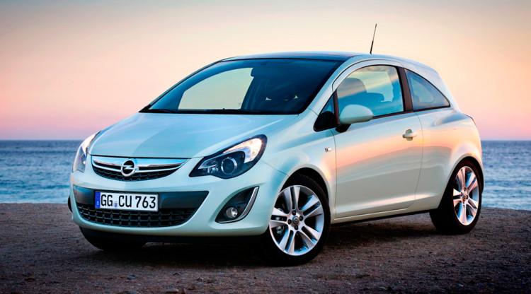 Вернемся к концерну GM, который решил сократить бизнес в России. В декабре 2014-го в РФ все еще продавались автомобили Opel. Самой доступной моделью была Corsa, которая стоила минимум…