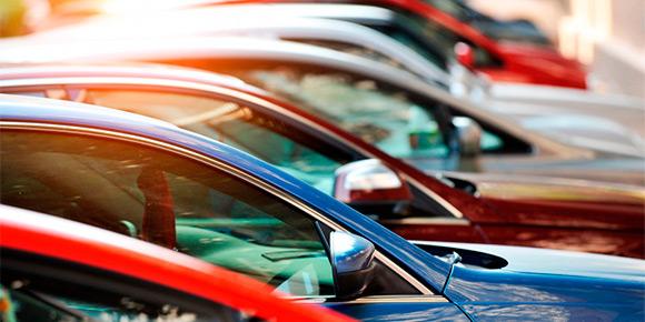 В середине апреля специалисты ассоциации «Российские автомобильные дилеры» предупредили об очередном росте цен на новые машины. Вы, конечно  же, без труда назовете главную причину пересмотра прайс-листов. Это .... ?