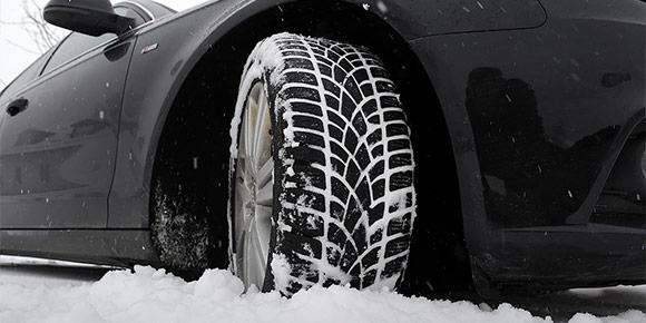 А как правильно ехать по глубокому снегу, рассчитывая только на свои силы и возможности бортовой электроники?