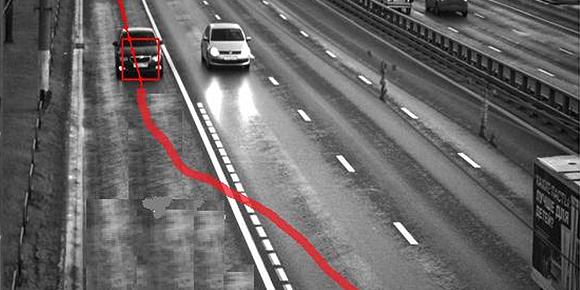 Считается ли нарушением движение автомобиля по указанной траектории?
