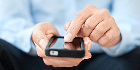 Вам нужно срочно связаться с друзьями, но телефон разрядился. Что будете делать?