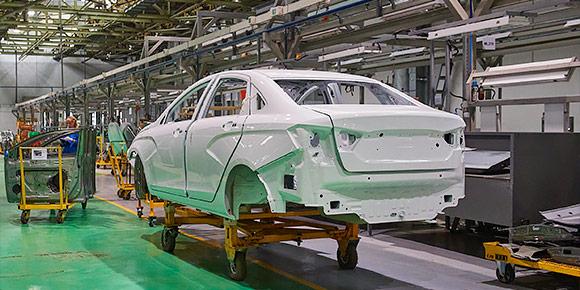 Поставляемые на завод листы металла приобретают форму будущего автомобиля на штамповочной линии. Догадаетесь, какую часть кузова штамповать сложнее всего?