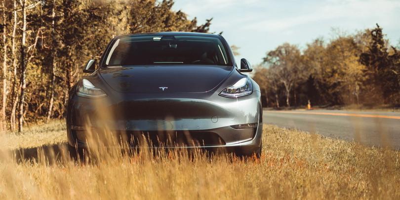 Tesla прекратила принимать заказы на самую дешевую версию Model Y
