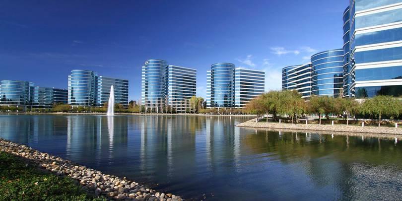 Штаб-квартира Oracle недалеко от города Сан-Франсиско, штат Калифорния