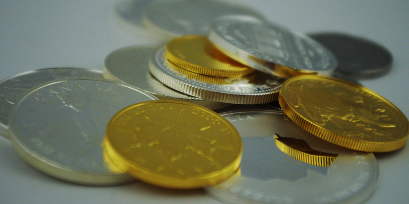 Золотые и серебряные монеты
