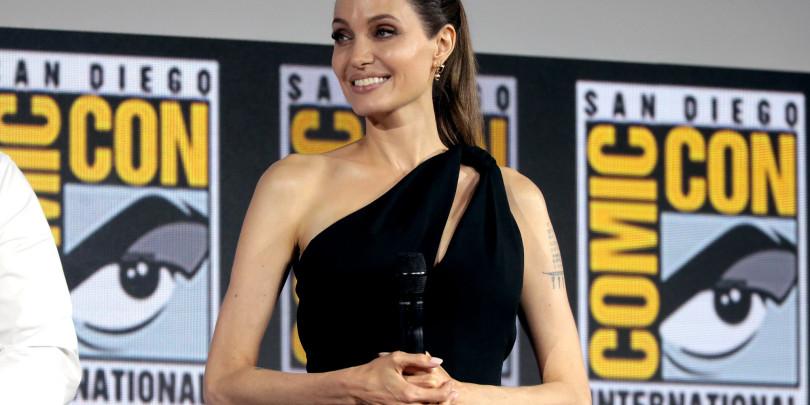 Анджелина Джоли на фестивале Comic Con International 2019 в Сан-Диего