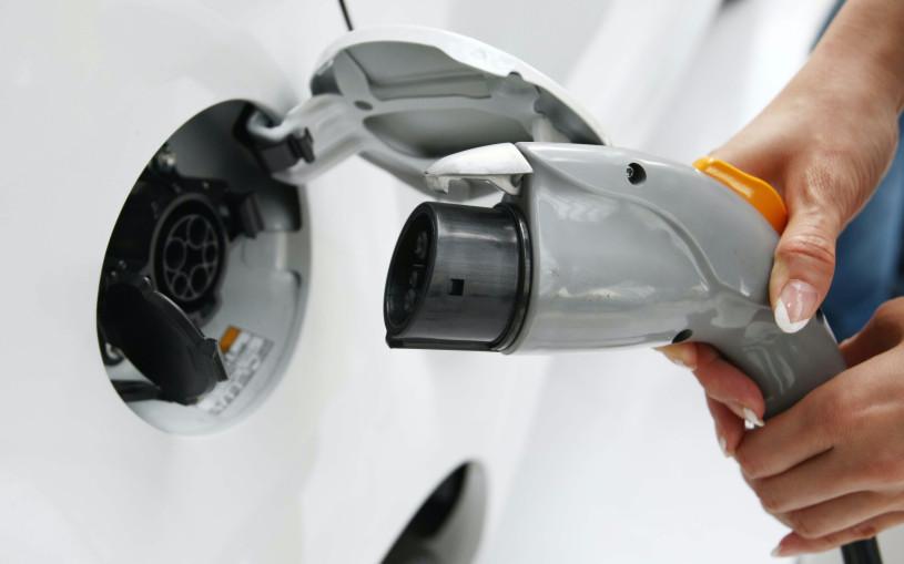 Япония может запретить продажу машин на ДВС к 2035 году