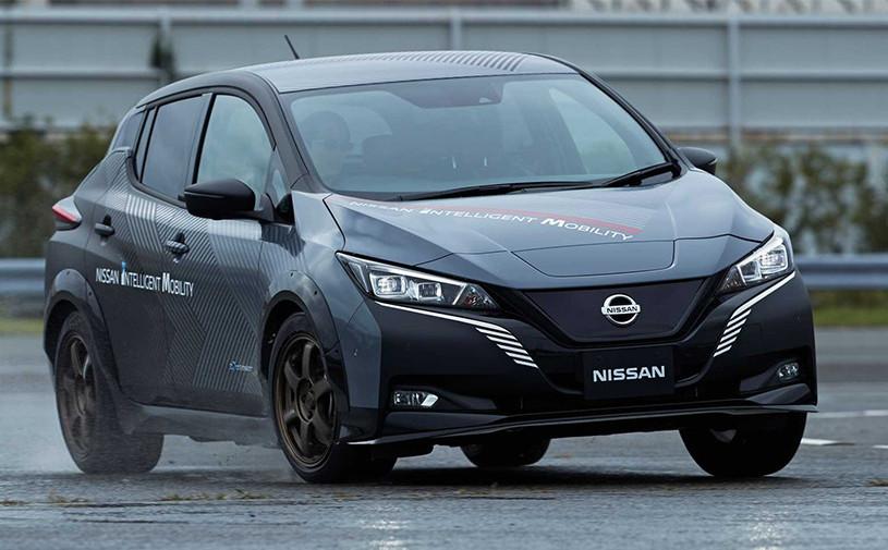 Электрокар Nissan Leaf получил полный привод
