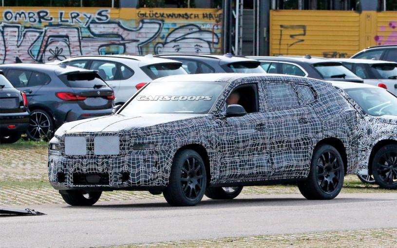 BMW приступила к тестам самого большого и дорогого кроссовера X8