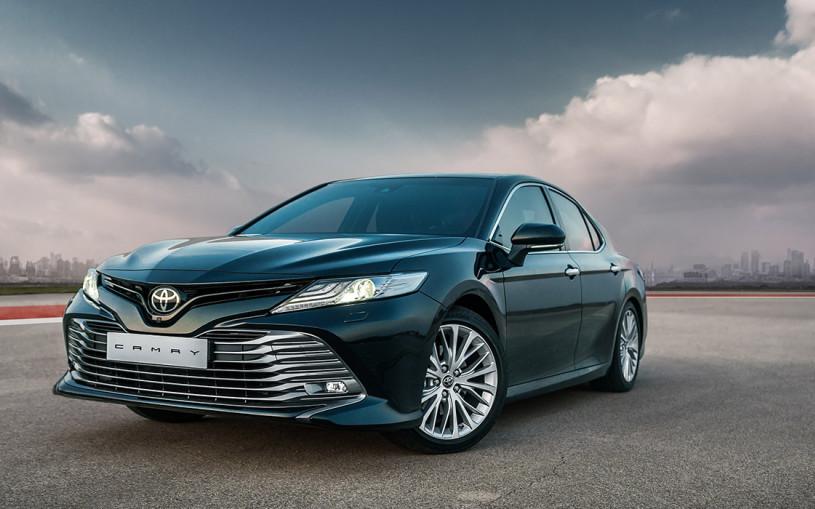 Седан Toyota Camry вернулся в Европу