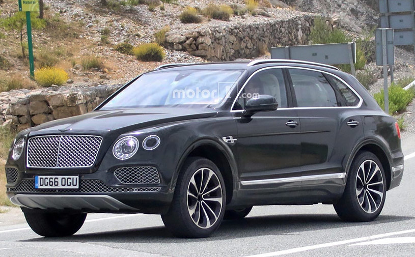 Bentley вывел на тесты гибридную версию Bentayga