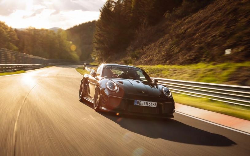 Porsche 911 установил рекорд Нюрбургринга среди серийных машин. Видео