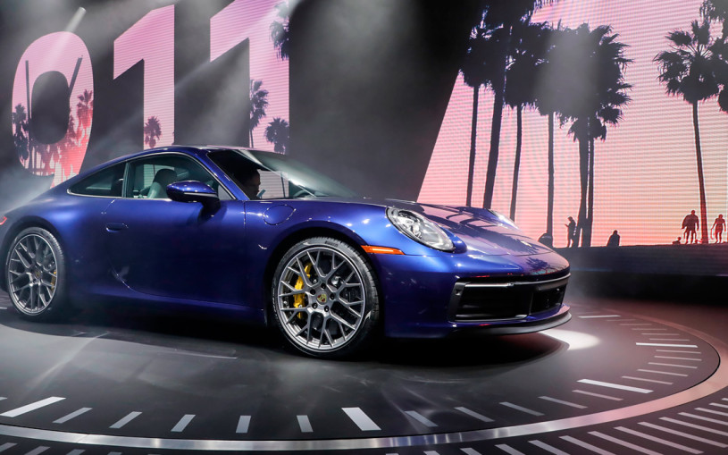 Классика и цифры: все о новом Porsche 911