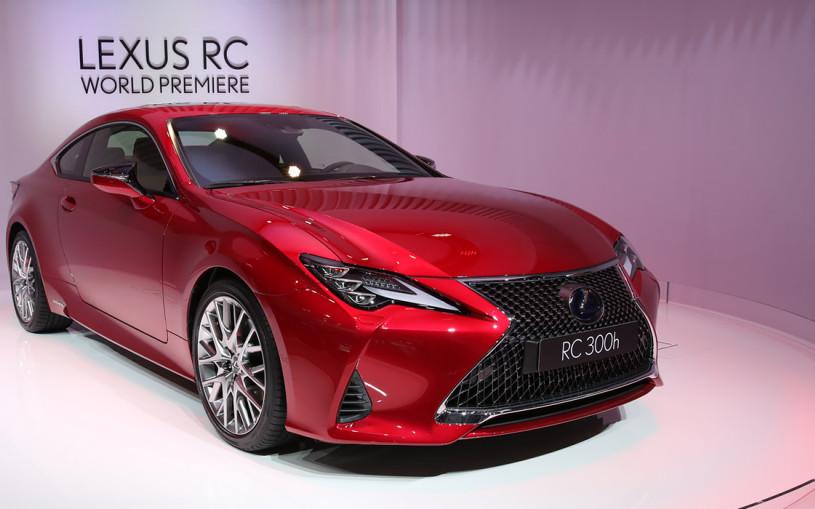 Lexus модернизировал купе RC