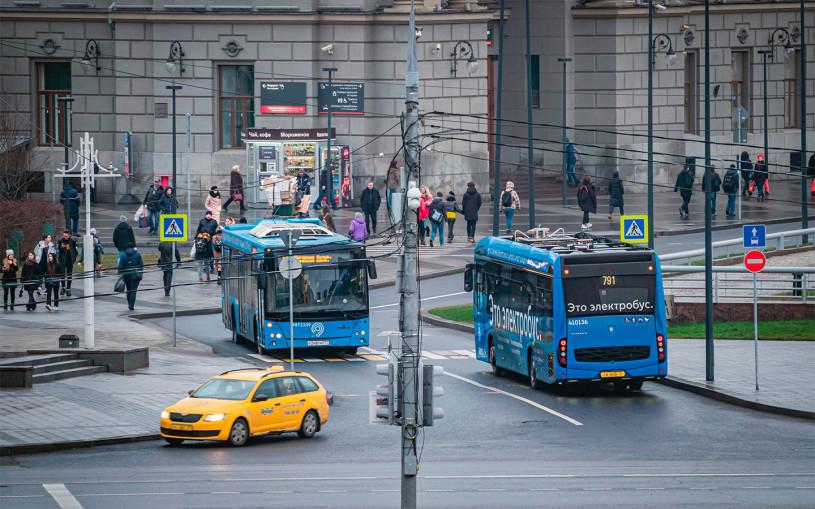 Эксперт объяснил, когда россияне пересядут на общественный транспорт