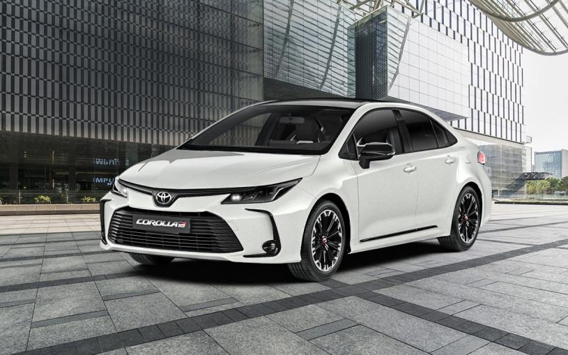 Toyota привезла в Россию спортивные версии двух моделей
