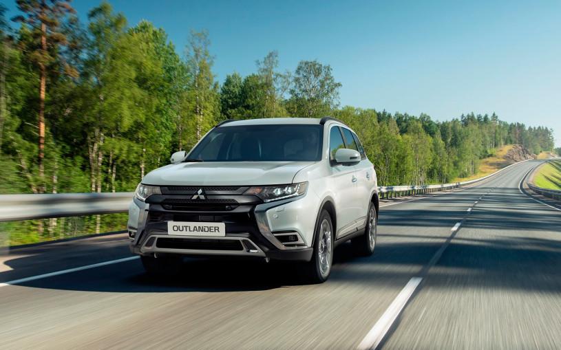 Mitsubishi назвала цены на обновленный Outlander для России