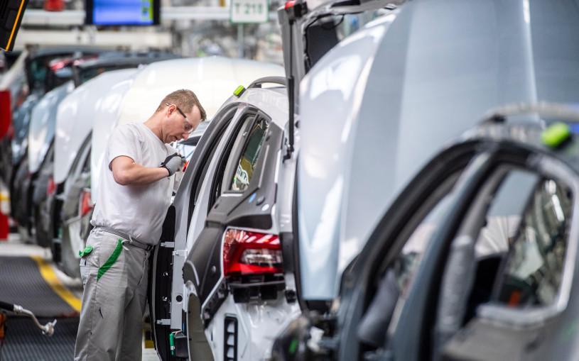 Чехия выступила против планов ЕС отказаться от бензиновых машин к 2035
