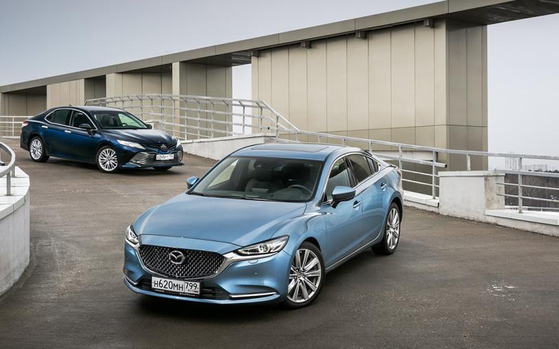 Большими силами. Mazda 6 против Toyota Camry