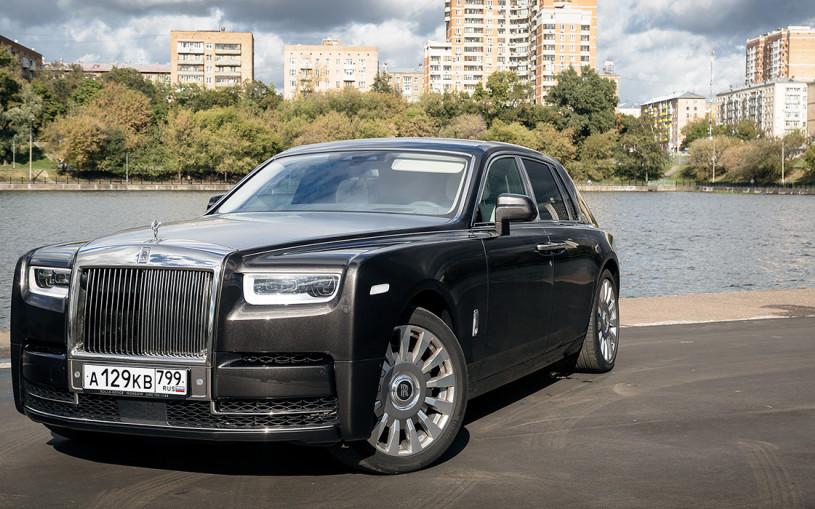 Удиви меня: один день работы в такси на Rolls-Royce
