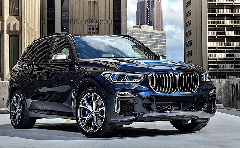 BMW выпустила самые мощные версии кроссоверов X5 и X7