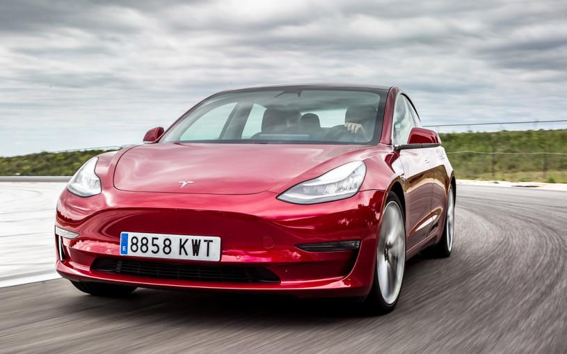 Tesla Model 3 вошел в тройку самых популярных автомобилей в Европе