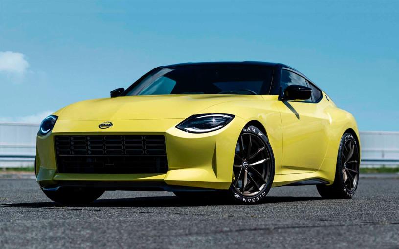 Nissan представил новый спорткар в ретро-стиле