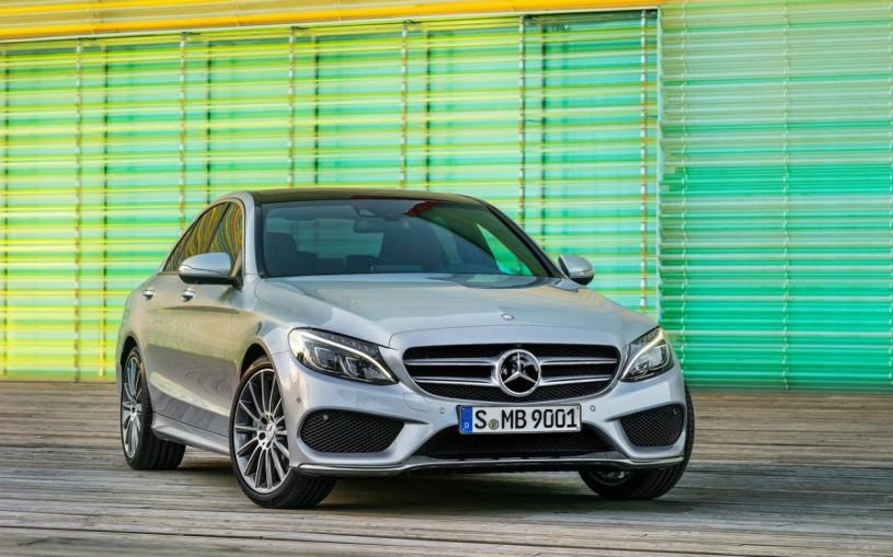 Mercedes отзовет автомобили в России из-за фар