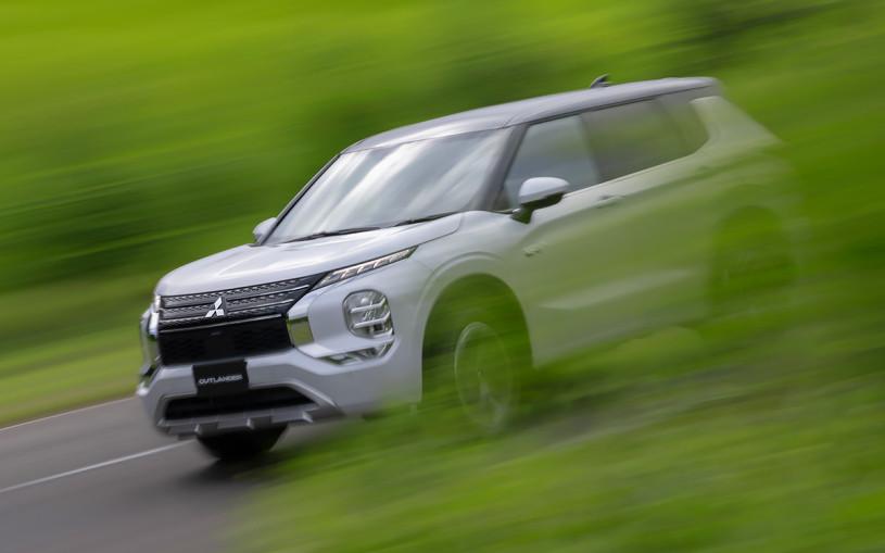 Новый гибрид Mitsubishi Outlander получит два электромотора