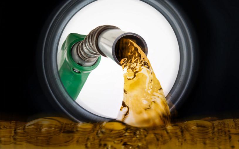 В России выросла средняя цена на бензин