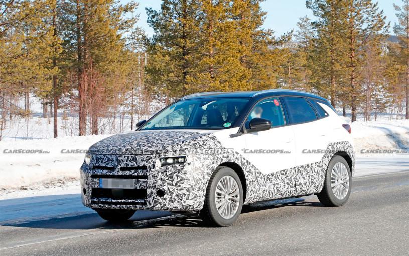 Обновленный Opel GrandlandX впервые заметили на тестах. Фото