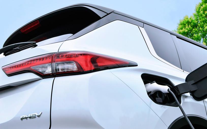 Mitsubishi анонсировала гибридный Outlander нового поколения