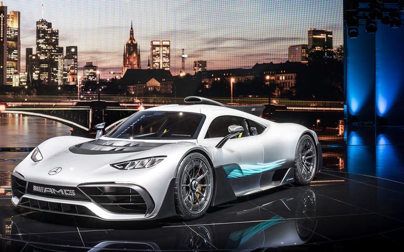 Видео: невероятно быстрый суперкар Mercedes-AMG