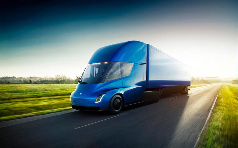 Илон Маск назвал запас хода электрического грузовика Tesla