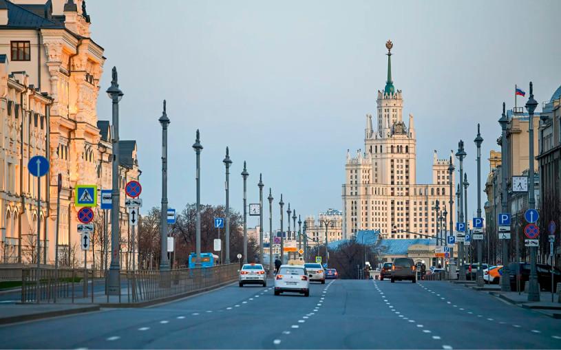 Пробки в Москве сократились вдвое после указа об удаленке