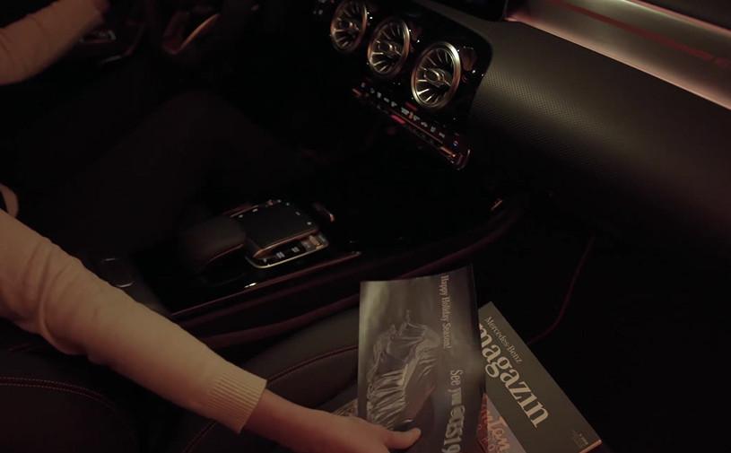Mercedes показал на видео интерьер нового CLA