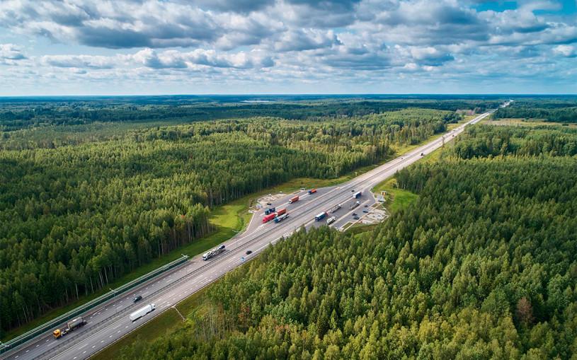 Скоростной лимит на платных дорогах хотят поднять до 150 км/ч