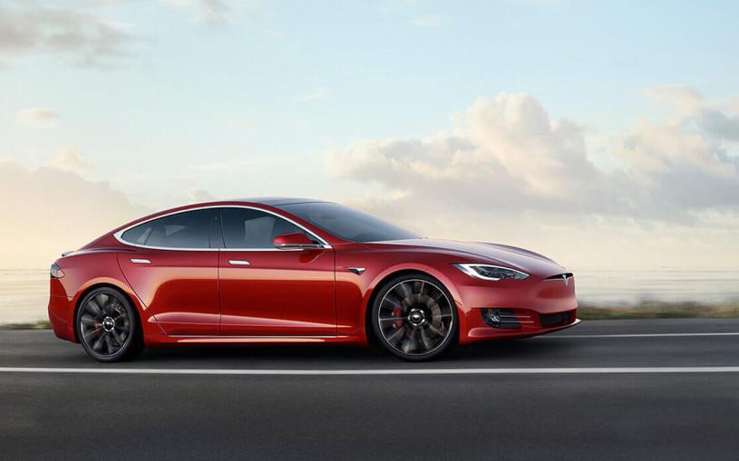 Tesla модернизировала электрокары Model S и Model X